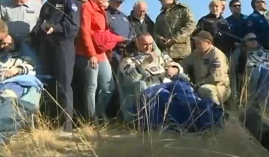 CREW Returns to Earth PIC Space Station. trio_1_0