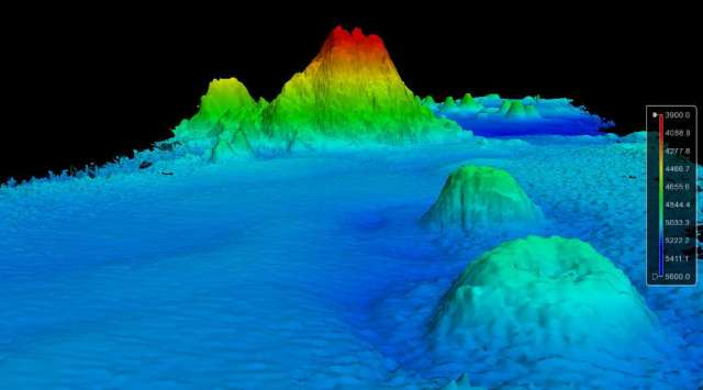 LAST ONE fig3_seamount_se_3d_view-1085