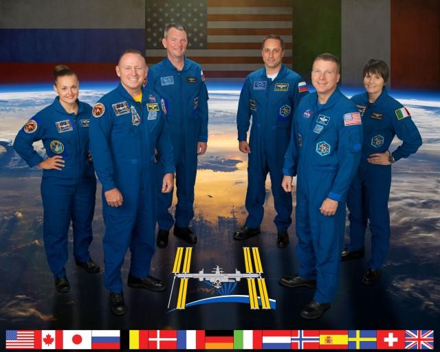 NASA CREW 42: PIC.